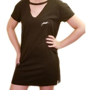 Victoria Secret Pink》 Black Cut Out Tee Dress